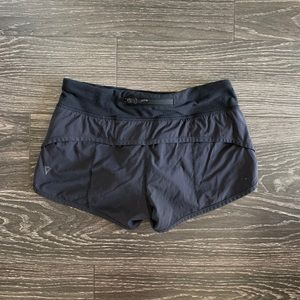 IVIVVA/black speed short